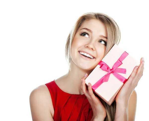 Картинки подарки девушкам 22